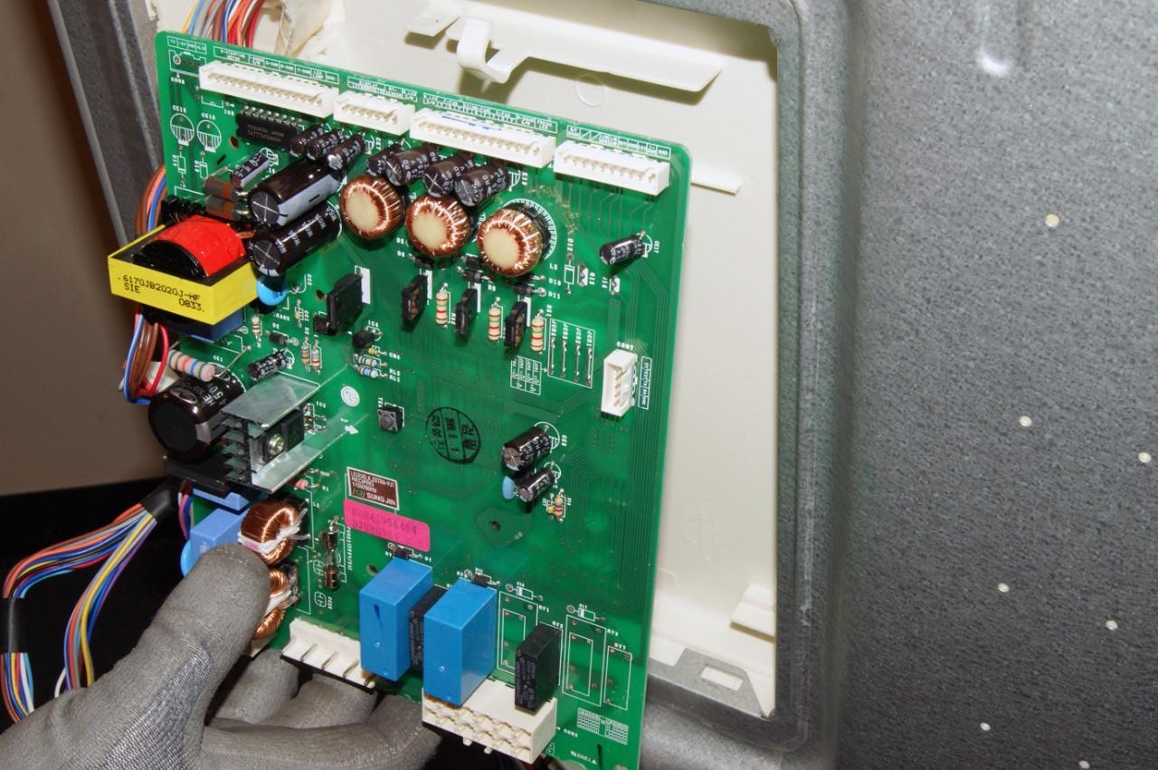 Причины поломок электроники холодильника, ремонт в Пензе